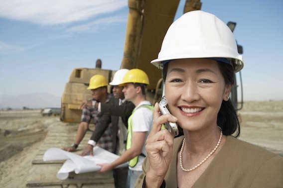 Maladies coronaires : risque triplé pour les femmes hypertendues avec un emploi éprouvant
