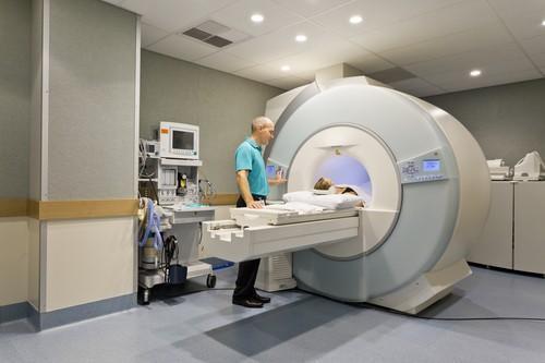 IRM : 30 jours d'attente pour passer l'examen