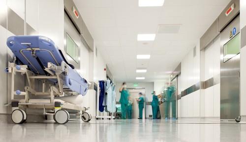 Hôpitaux : des regroupements pas toujours gagnants