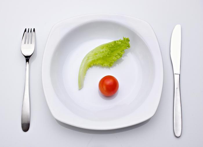 Jeûne intermittent: pas de bénéfice comparé au régime standard