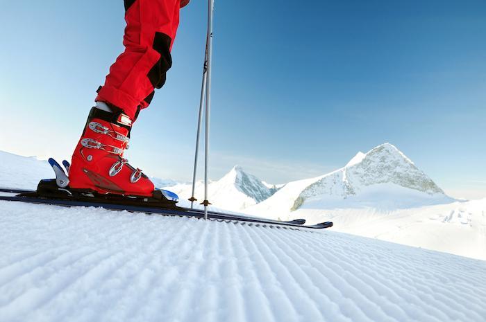 Ski : comment prévenir ou prendre en charge l'entorse du genou