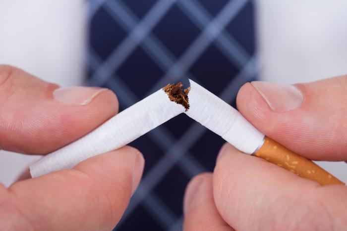 Infarctus : le risque augmente dès la première cigarette