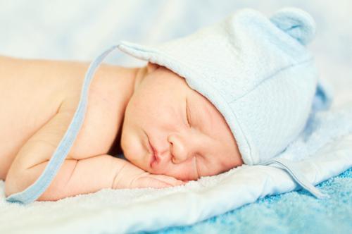 Surdité : dépistage auditif pour tous les bébés lyonnais