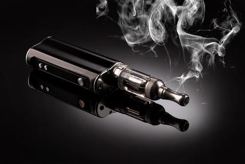 e-cigarette : quel risque de cancers et de maladies cardiovasculaires