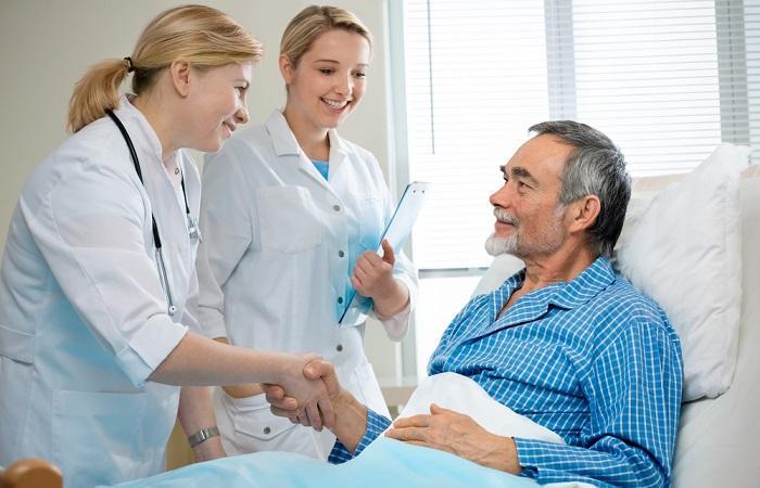 Hôpital : les Français satisfaits des soins mais pas de l'hôtellerie