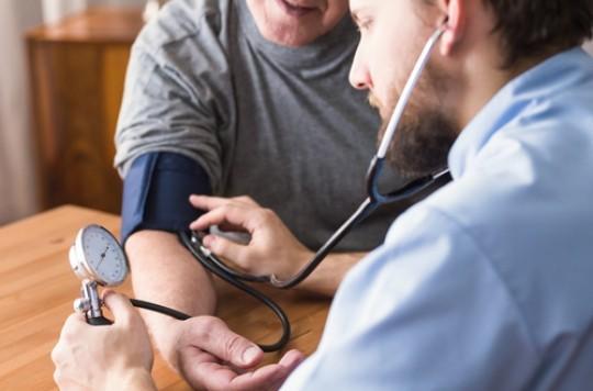HTA : intérêt d'un comprimé avec 4 antihypertenseurs au quart de leur dose