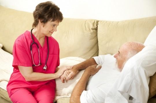 Grippe : double dose chez les sujets âgés en cas de virus H3N2