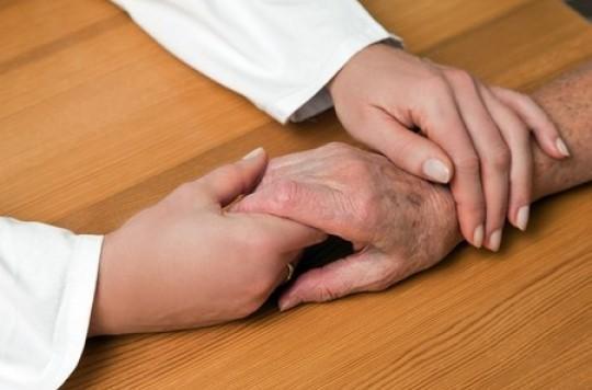 Alzheimer : 3 syndicats demandent aux médecins de ne plus prescrire les médicaments