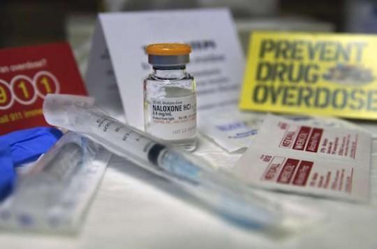 Overdoses aux opioïdes : l'accès à la naloxone nasale est élargi