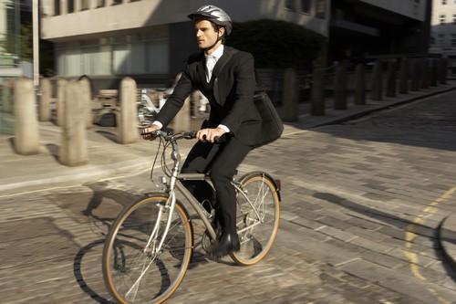 Surpoids : le vélo est plus efficace que la marche