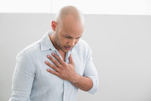 VIH : la séropositivité double le risque d'infarctus