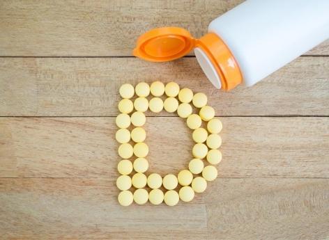 Cancer colorectal : la vitamine D à forte dose ralentirait la progression