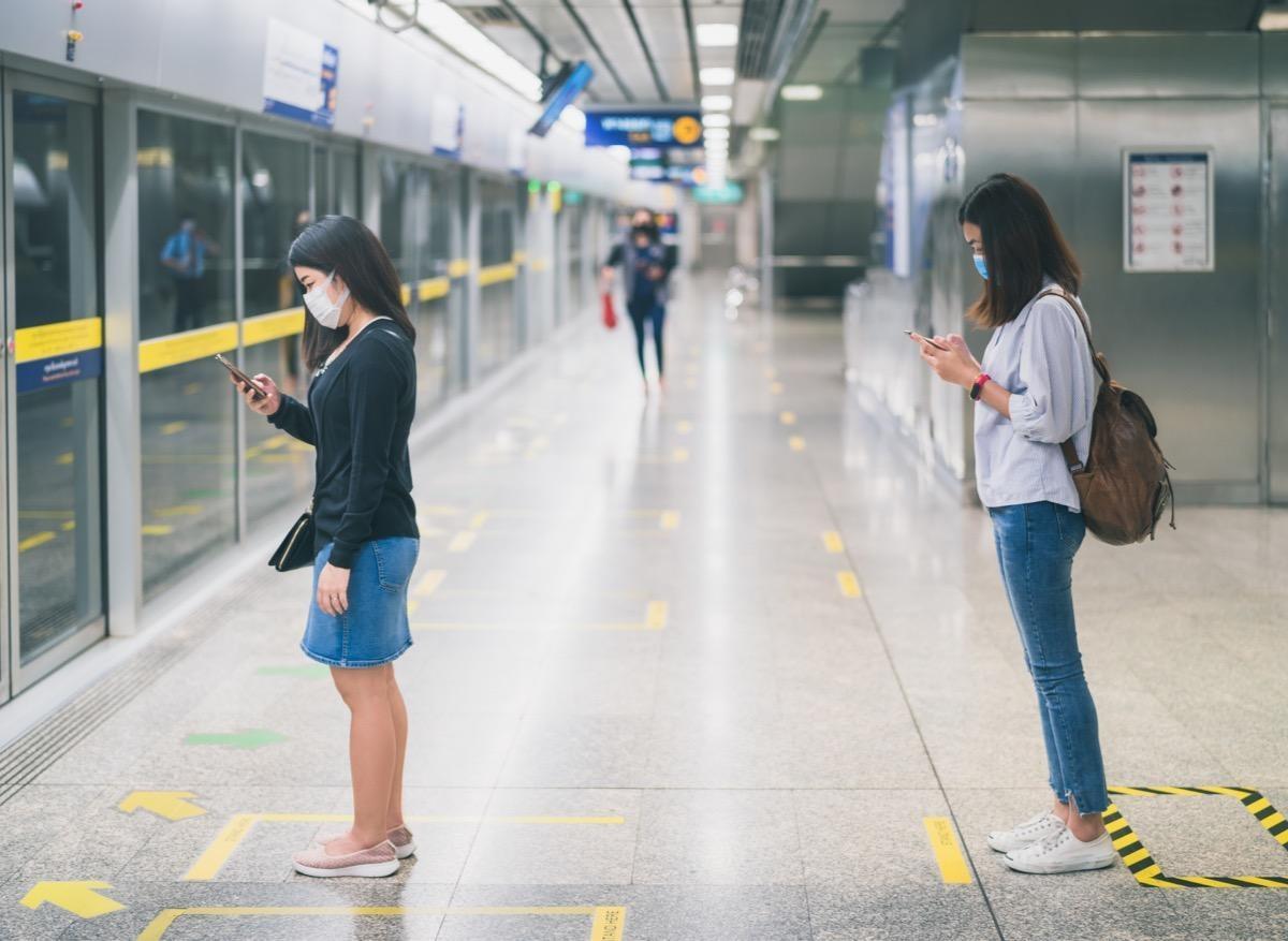 Covid-19 : intérêt confirmé de la distanciation sociale