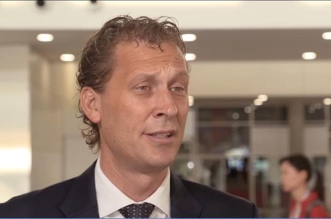 Early-stage high-risk triple-negative breast cancer : pembrolizumab + chemotherapy as neoadjuvant treatment